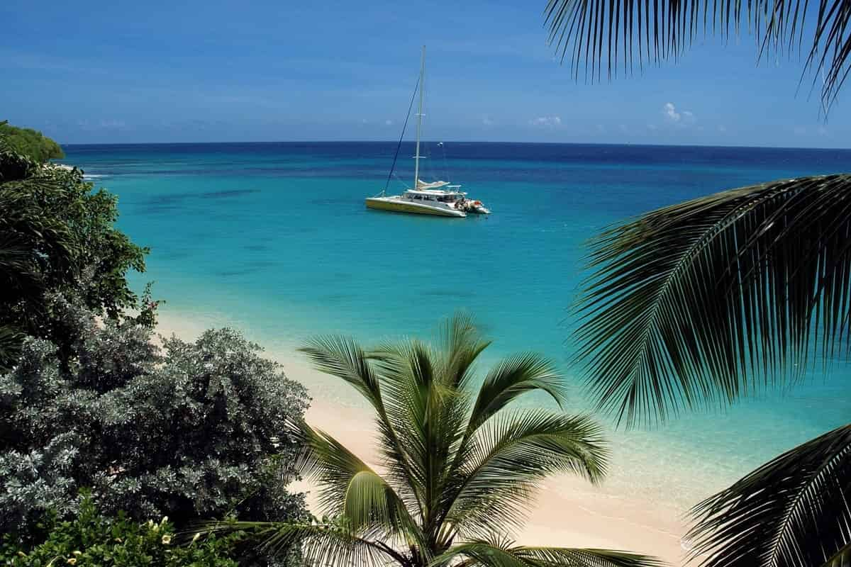 Barbados-BGI-catamaran_in_cove1(1)