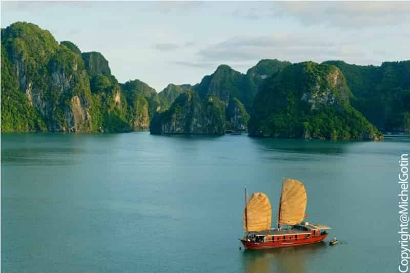 Vietnam Easia 5-Halong_Bay_copy