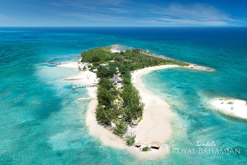 Romantikus utak | Fehér homokos tengerpart | Sandals Royal Bahamian Resort
