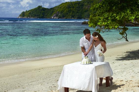 Seychelle-szigeteket esküvő | DoubleTree by Hilton Allamanda Resort
