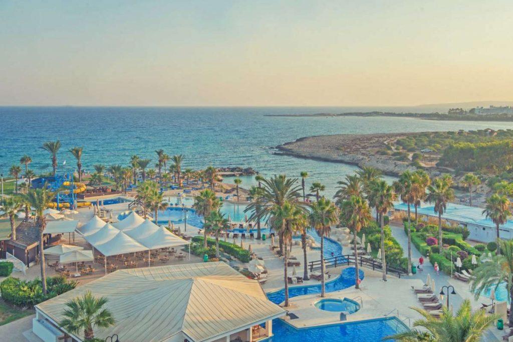 82758abda1 Ciprus   Adams Beach Hotel*****   Nyaralás   Tengerparti Esküvő   Nászút